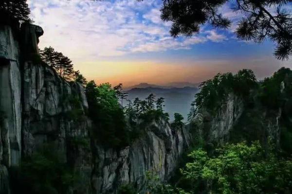 宝天曼_秋游宝天曼看万山红遍 层林尽染